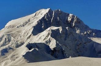 Mt Shishabangma 1