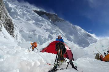 Setting camp at Camp 3 on Annapurna