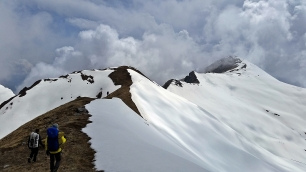Trekking out of Annapurna BC post earthquake